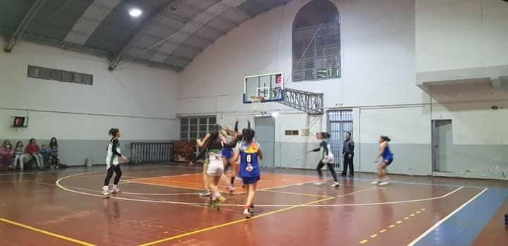 """Los equipos de básquet femenino participan del torneo clausura de la copa """"Viví Tunuyán""""."""