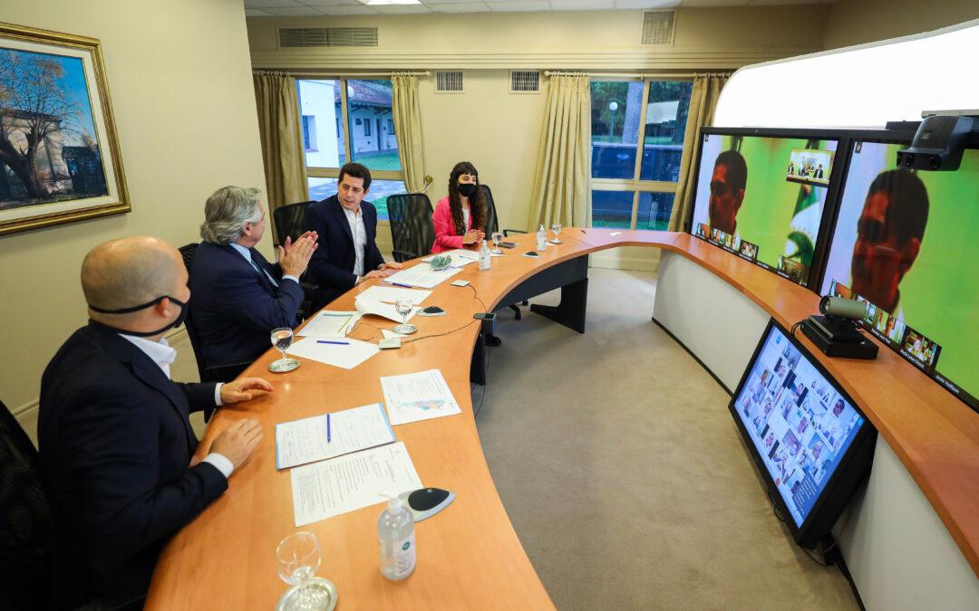 El presidente hizo la presentación del programa federal Municipios de Pie