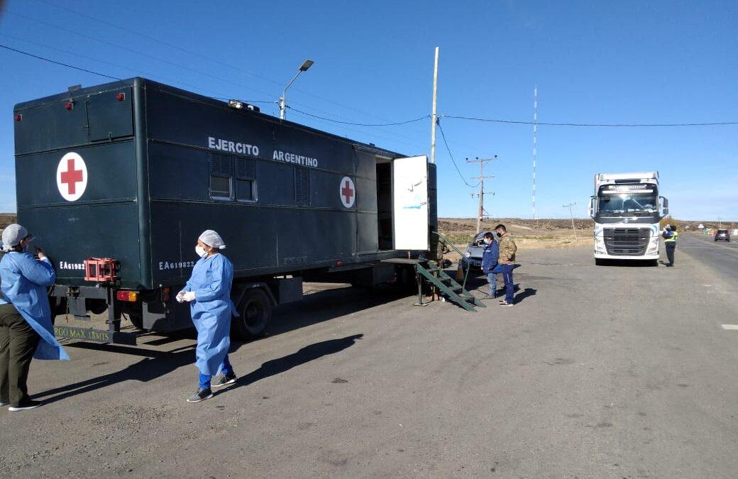 Las Fuerzas Armadas brindan apoyo sanitario y logístico en todo el país