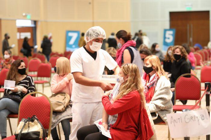 COVID-19: en el Sur provincial ya se han vacunado más de 100 mil personas