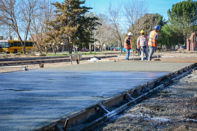 El Municipio construye una nueva plaza en un barrio de Tunuyán